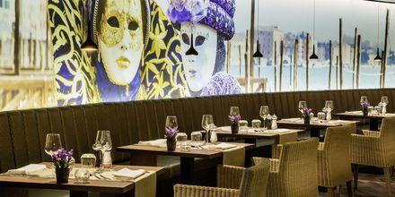 Den italienske restaurant på Elba Lanzarote Royal Village Resort, Lanzarote.