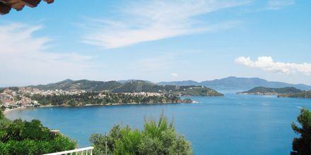 Udsigten fra hotel Elias i Megali Ammos på Skiathos, Grækenland.