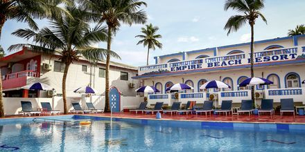 Poolområde på Hotel Empire Beach Resort i Det Nordlige Goa, Indien.