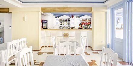Bar på Hotel Erato i Karlovassi på Samos, Grækenland.