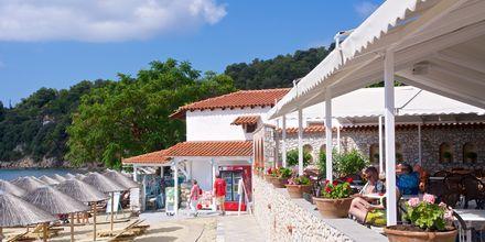 Strandrestauranten på hotel Esperides på Skiathos, Grækenland.