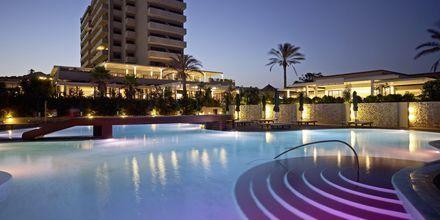 Poolområde på Hotel Esperos Mare på Rhodos, Grækenland