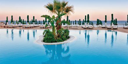 Poolområdet på Hotel Esperos Mare på Rhodos, Grækenland