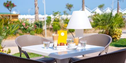 Mondo Café på Hotel Fafa Grand Blue i Durres Riviera i Albanien.