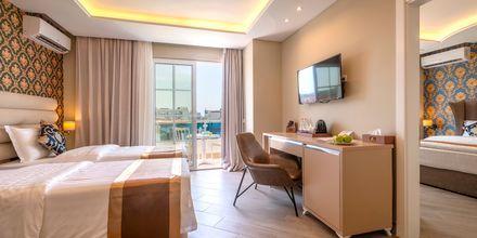 Familie-værelse på Hotel Fafa Grand Blue i Durres Riviera i Albanien.