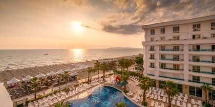 Pool på Hotel Fafa Grand Blue i Durres Riviera i Albanien.