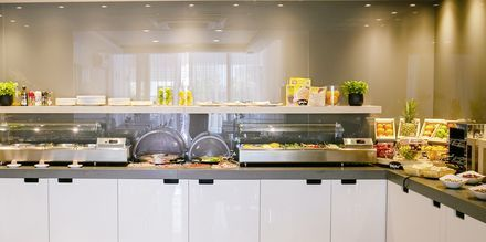 Morgenmadsbuffet på Hotel Flora i Tucepi, Kroatien