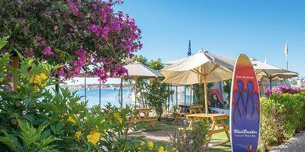 Baren Windbreaker på Fort Arabesque Resort, Spa & Villas