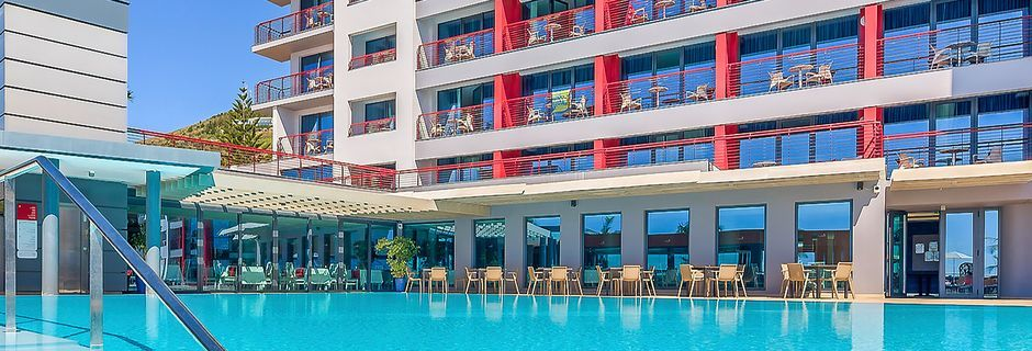 Poolområde på Hotel Four Views Monumental Lido Funchal, Madeira