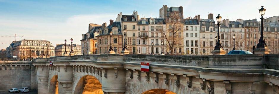 Den legendariske bro Pont Neuf i Paris, Frankrig.