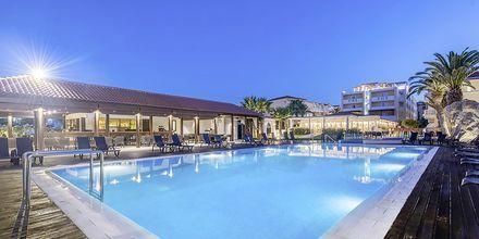 Poolen på Hotel Galaxy Beach Resort i Laganas, Zakynthos.