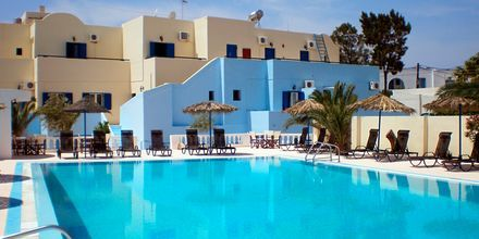 Poolen på hotel Gardenia på Santorini, Grækenland.