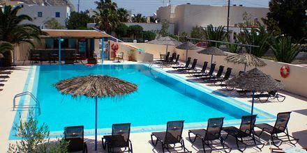 Pool på hotel Gardenia på Santorini, Grækenland.