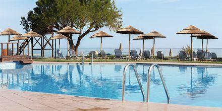 Poolområde på hotel Geraniotis Beach i Platanias, Grækenland
