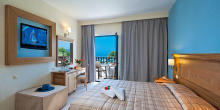 Dobbeltværelse med havudsigt på Geraniotis Beach i Platanias, Kreta, Grækenland.