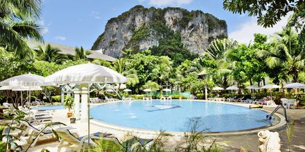 Poolen på Golden Beach Resort i Ao Nang, Krabi i Thailand.