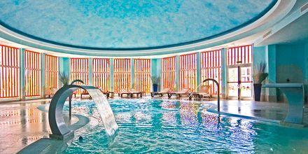 Indendørs pool på Gran Castillo Resort på Lanzarote, De Kanariske Øer