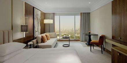 Dobbeltværelse på Grand Hyatt i Bur Dubai, Dubai.