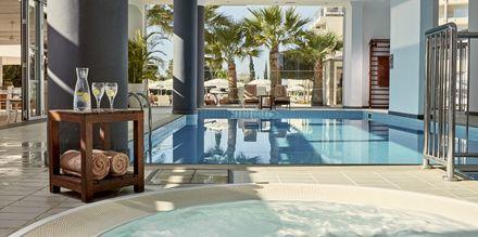 Indendørspool på Hotel Grecian Park, Cypern.