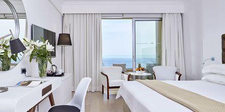 Dobbeltværelse med havudsigt på Hotel Grecian Park, Cypern.