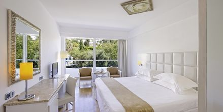 Dobbeltværelse på Hotel Grecian Sands, Cypern.