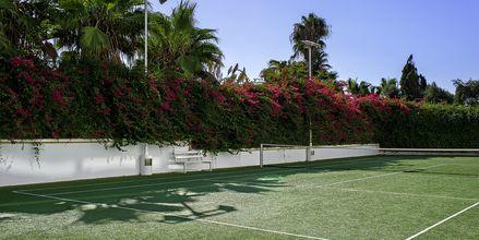 Tennis på Hotel Grecian Sands, Cypern.
