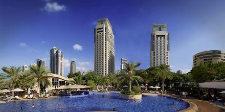 Poolen på Hotel Habtoor Grand Resort Autograph Collection i Dubai