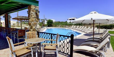 Poolbar på Hotel Harmony på Naxos i Grækenland.