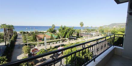 Udsigt fra 3-værelses lejlighed på Hotel Havana Apart i Alanya, Tyrkiet.