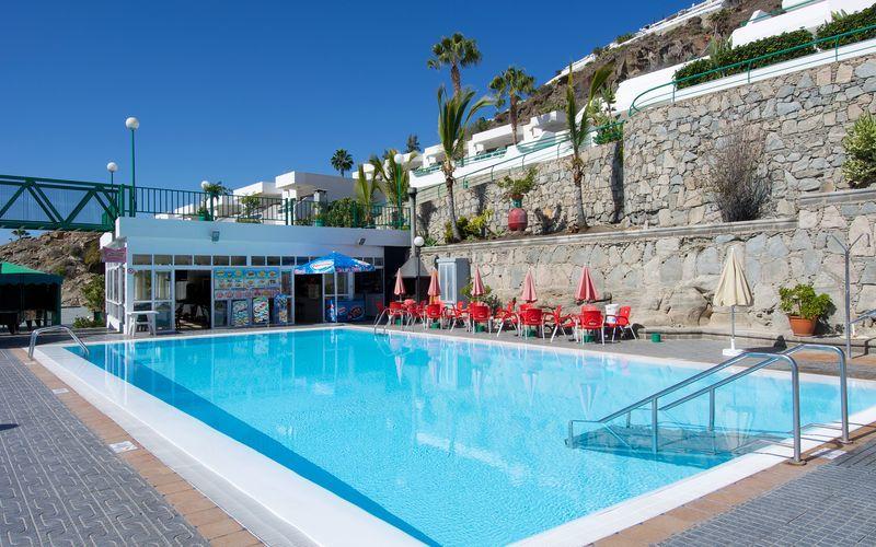 Poolområde på Hotel Heliomar på Gran Canaria, De Kanariske Øer.
