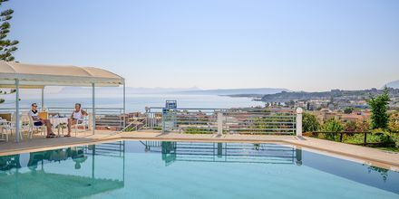 Poolområde på Hotel Hermes i Kato Stalos på Kreta.