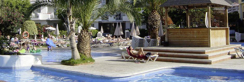 Poolområde på Hotel HG Tenerife Sur på Tenerife, De Kanariske Øer, Spanien.