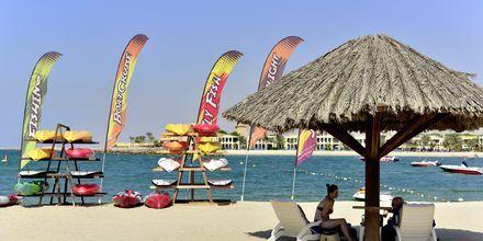 Stranden ved Hotel Hilton Ras Al Khaimah Resort & Spa i Ras Al Khaimah, De Forenede Arabiske Emirater.