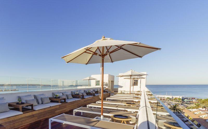 Skøn tagpool på HM Alma Bach, Ca'n Pastilla på Mallorca, Spanien.