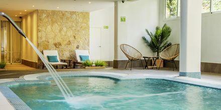Indendørs pool på Houm Plaza Son Rigo i Playa de Palma, Mallorca.