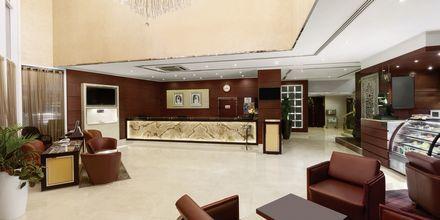 Receptionen på Hotel Howard Johnson i Bur Dubai.