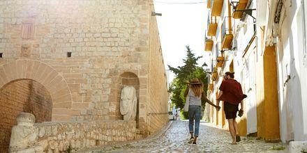 Ibiza er både for par, børnefamilier og venner.