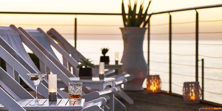 Bar på Hotel Ikaros Beach Resort & Spa på Kreta, Grækenland.
