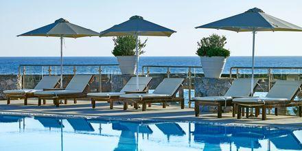 Poolområdet på Hotel Ikaros Beach Resort & Spa på Kreta, Grækenland.