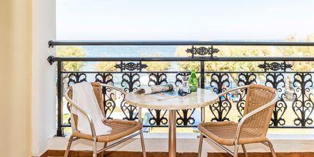 Balkon i dobbeltværelse på Hotel Iliessa Beach i Argassi, Zakynthos