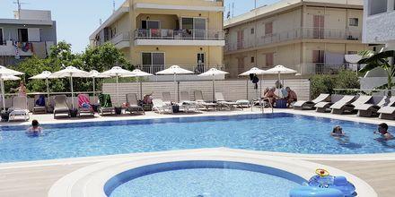 Poolområde på Hotel Imperial på Kos, Grækenland.