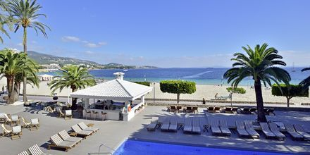 Poolterrassen på Hotel INNSiDE by Melia Cala Blanca