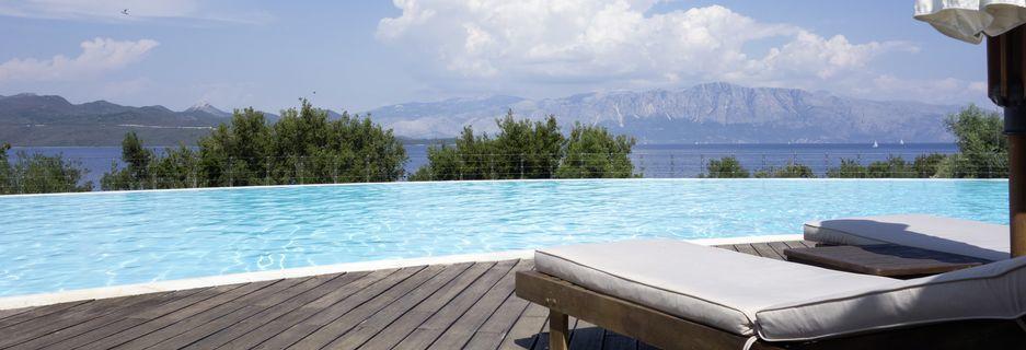 Pool på Hotel Ionian Blue på Lefkas, Grækenland.