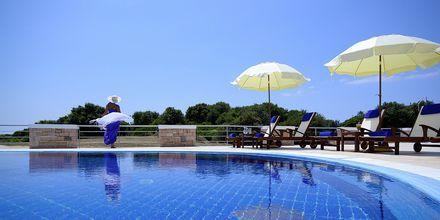 Pool på hotel Ionian Theoxenia i Kanali, Grækenland