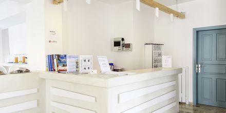 Reception på hotel Iris i Kamari, Santorini.