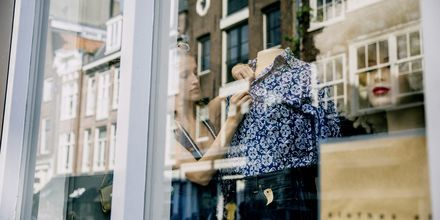 Shop italiensk design i modebyen Milano.