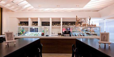 Café ved Hotel JA Ocean View i Dubai, De Forenede Arabiske Emirater.
