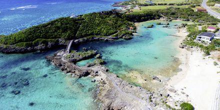 Strand på øen Okinawa, Japan.