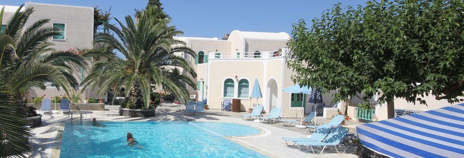 Poolen på hotel Joanna på Santorini, Grækenland.