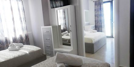 Familie-værelse på Hotel Joni i Saranda, Albanien.